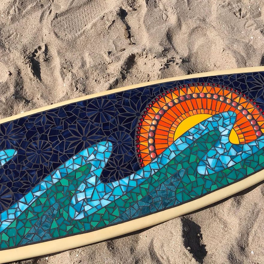 I-Create-Mosaic-Surfboards-5f16ec2d93116__880.jpg