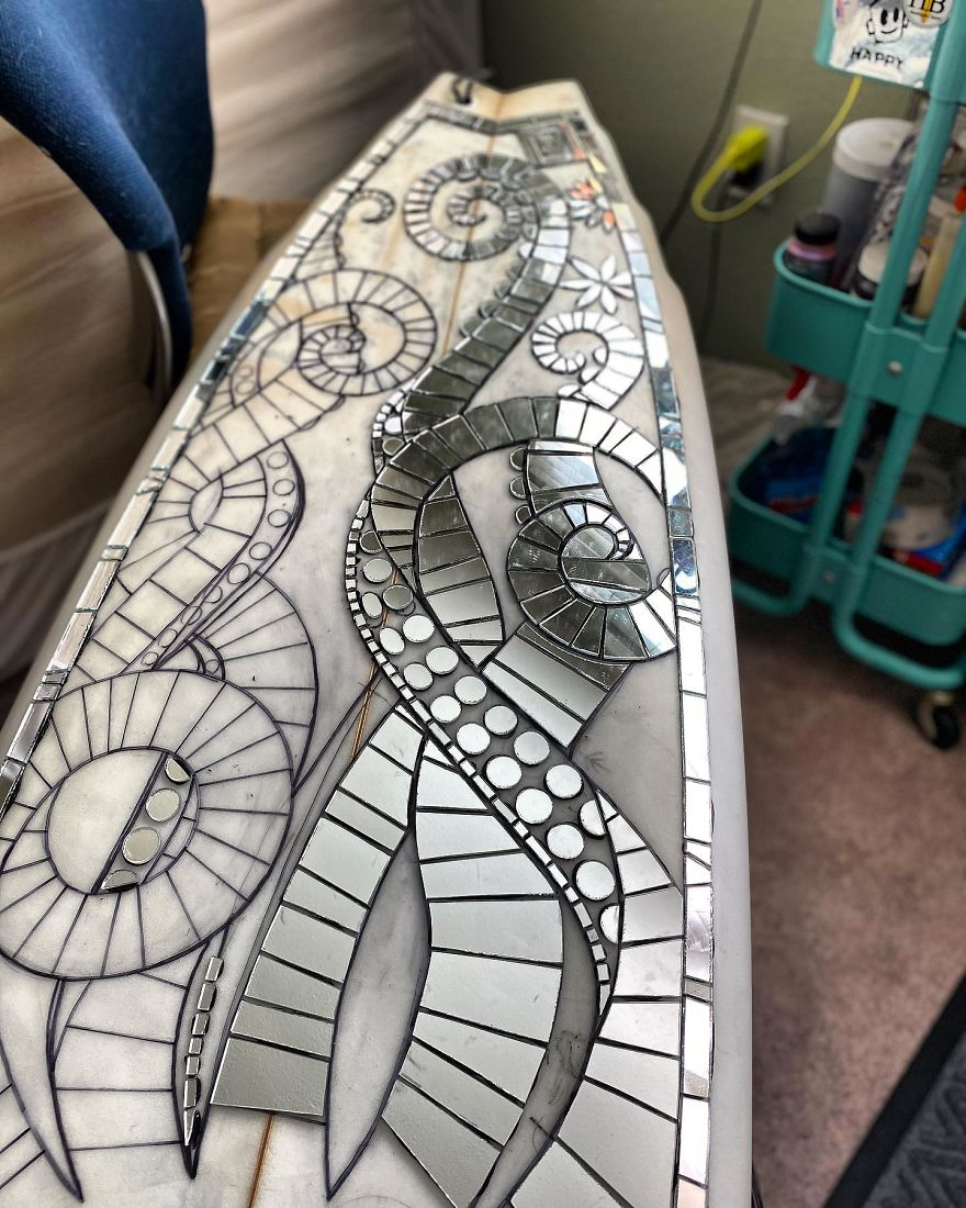 I-Create-Mosaic-Surfboards-5f16f08f4db74__880.jpg